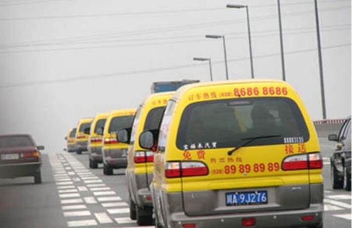 150辆大巴车免费乘,但盈利却上亿.神奇的商业模式!