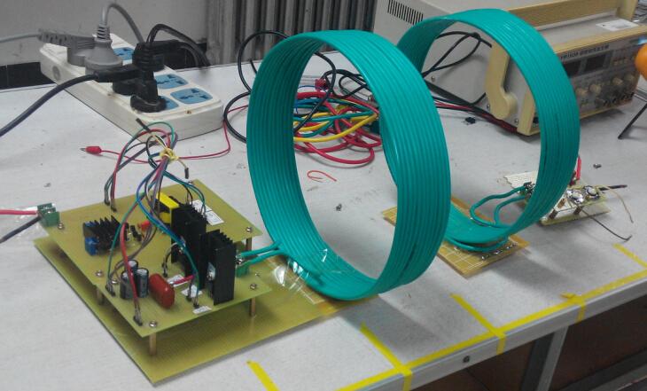两级电路通过谐振进行能量传递,主控芯片采用的是sg3525进行驱动控制.