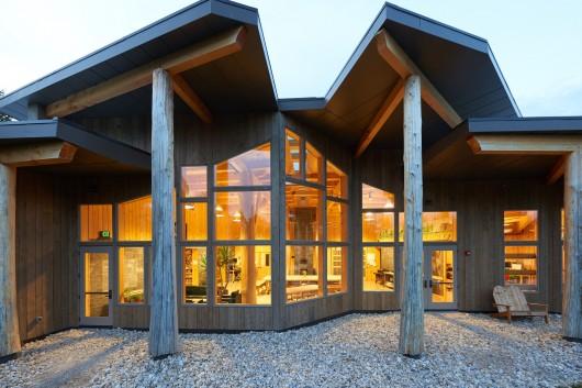近日,由woodworks出品公司宣布了2015年木结构建筑设计奖的获奖