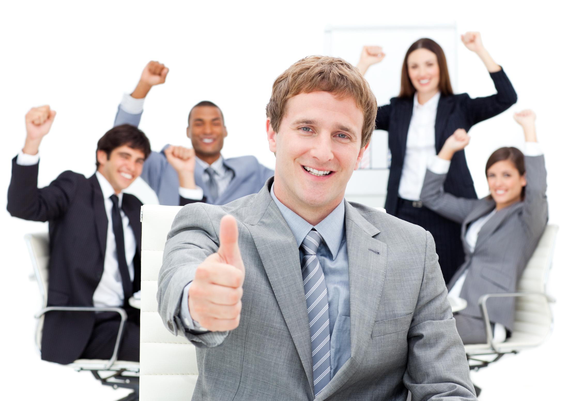 在销售调查栏目当中进行了调查,同时也问了身边的朋友,大家感兴趣的话题有很多,今天来说说如何进行销售团队激励。 销售队伍中肯定会出现明星团队和落后团队,落后团队的销售经理会感到压力,如何激励自己的团队走出低落的泥潭,是考验销售经理能力的一大难题。 落后团队可能遇到如下的问题:团队成员经验不足、市场环境不好、产品不好。作为销售经理一定要找准要害,一一击破。 第一步:了解团队 销售经理既要保持在团队成员当中的领袖心理地位,也要靠近成员,了解他们的心理状态。过多的接近或者过远的疏离,都可能造成团队成员心理上