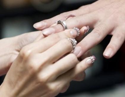 男生的手指尺寸中女生的不太一样
