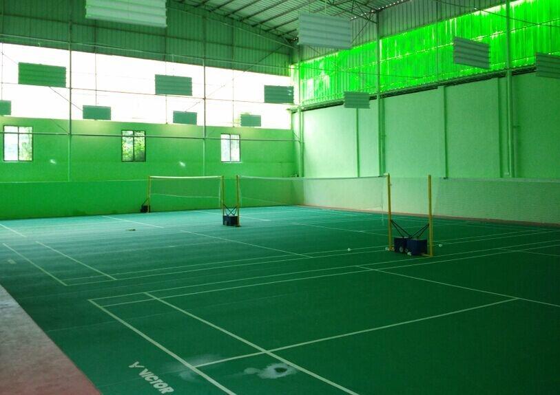 公司羽毛球场
