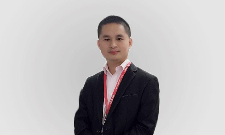 分公司总经理姚小山